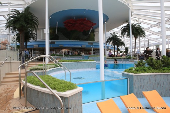 Ovation of the seas piscine avant