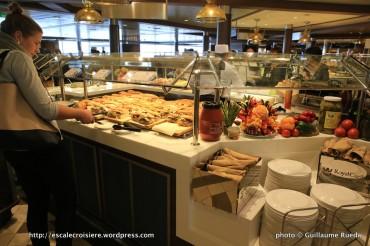 Ovation of the Seas - Windjammer Marketplace