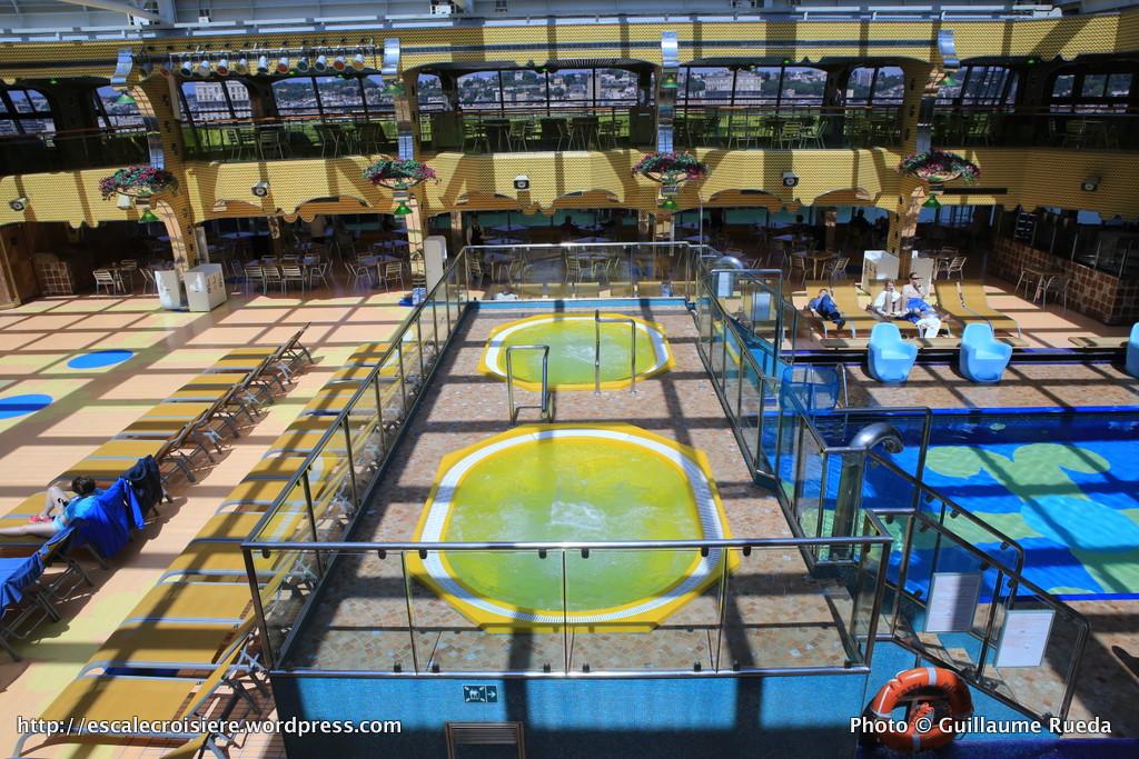 Costa pacifica piscine lido calypso blog escale croisi re for Piscine calypso
