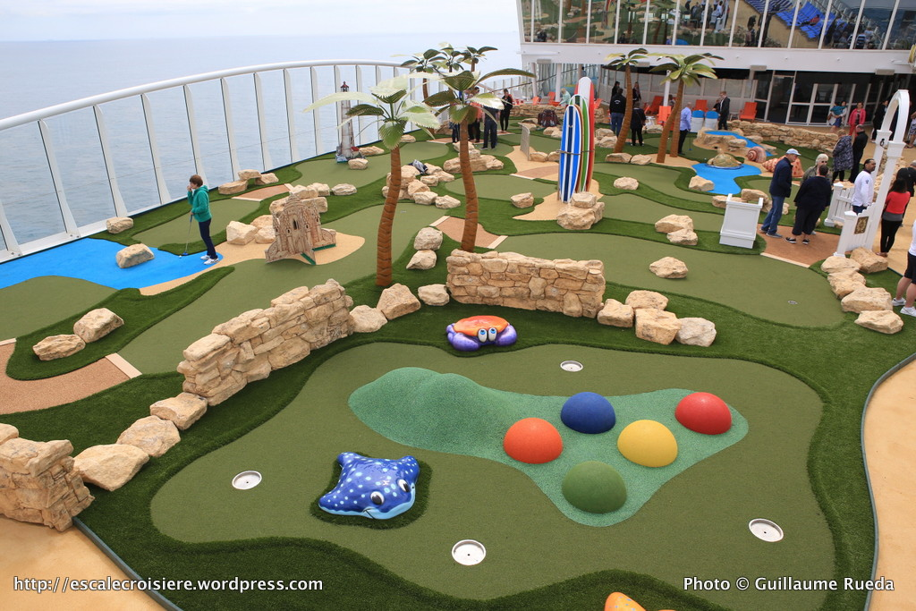 Harmony of the Seas - Mini Golf