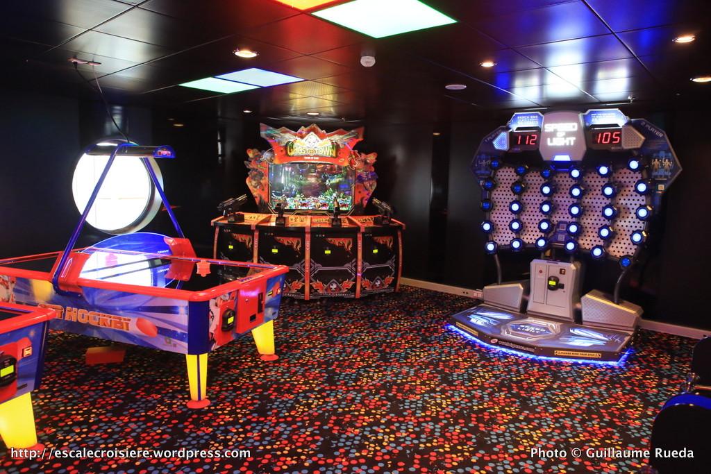 Harmony of the Seas Salle de jeux d'arcades - Court Sports