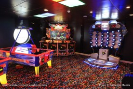 Harmony of the Seas Salle de jeux d'arcades - Court Sports