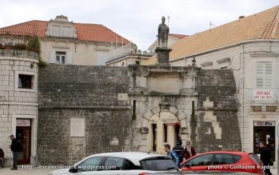 Porte de la terre - Trogir - Croatie