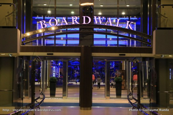 Harmony of the Seas by night - Boardwalk