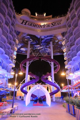 Harmony of the Seas by night - Boardwalk - Toboggan The Ultimate Abyss