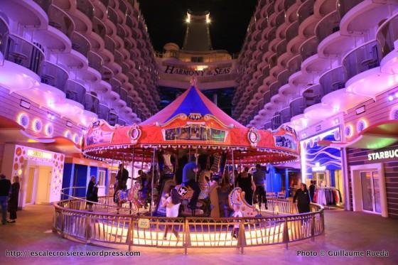 Harmony of the Seas by night - Boardwalk - Carrousel