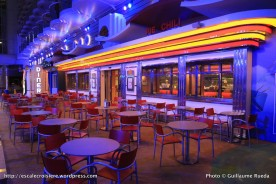 Harmony of the Seas by night - Boardwalk - Johnny Rockets