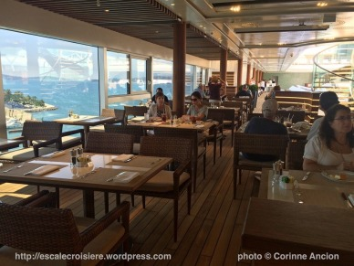 Seven Seas Explorer - Pool and Grill