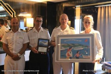 Seven Seas Explorer - Remise des plaques avec le Commandant Stanislas Mercier De Lacombe