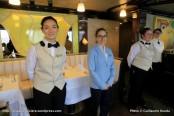 Seven Seas Explorer - Serveuses du restaurant Chartreuse