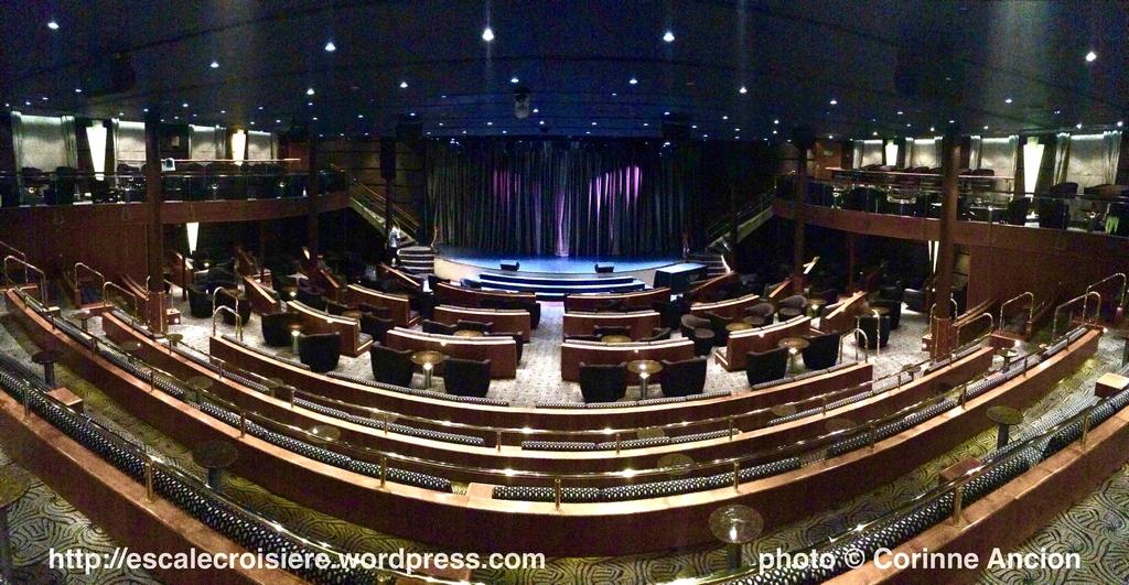 Seven Seas Navigator - Seven Seas Lounge - Theatre