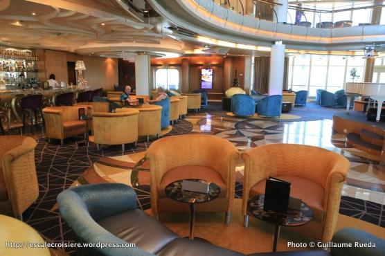 TUI Discovery - Atrium bar