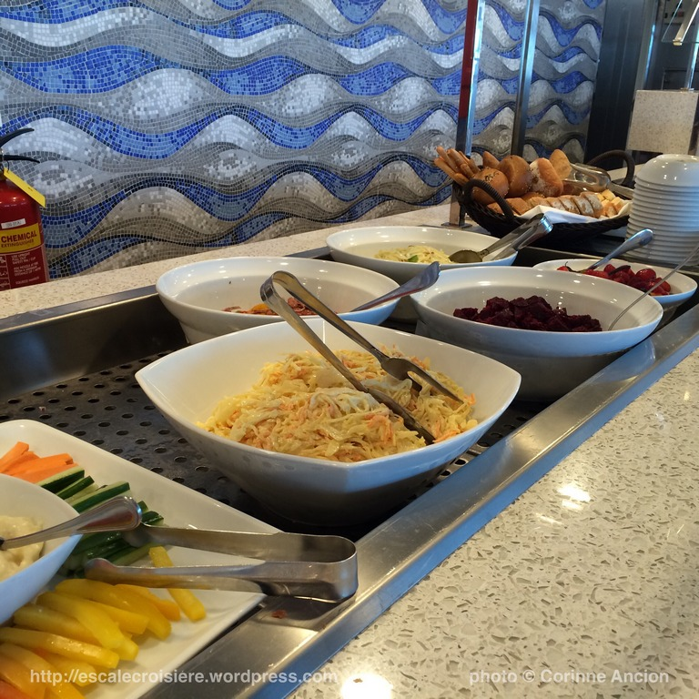 Sirena - Oceania - Restaurant Waves grill