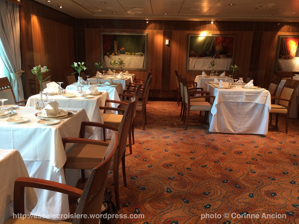Queen Mary 2 - Britannia Club restaurant 2016