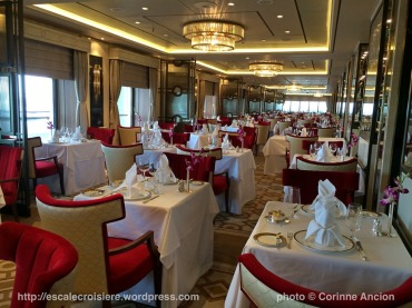 Queen Mary 2 - Queens Grill Restaurant 2016