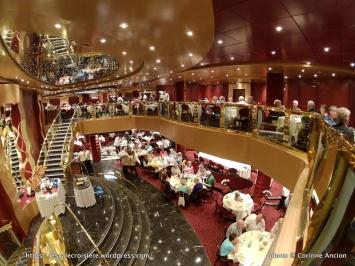 MSC Fantasia - Red Velvet restaurant