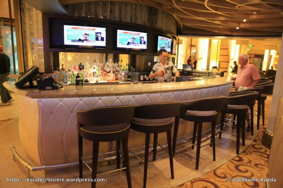 Celebrity Equinox - Passeport bar