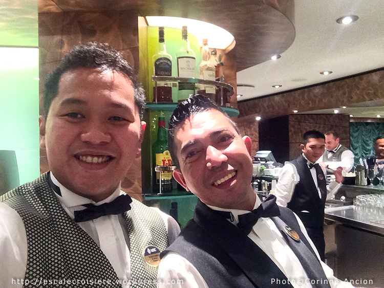 MSC Fantasia bar tenders Vele Bar