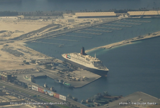 Queen Elizabeth 2 Aerial view - Dubaï