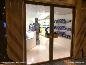Costa Magica - Galleria shops - Boutiques