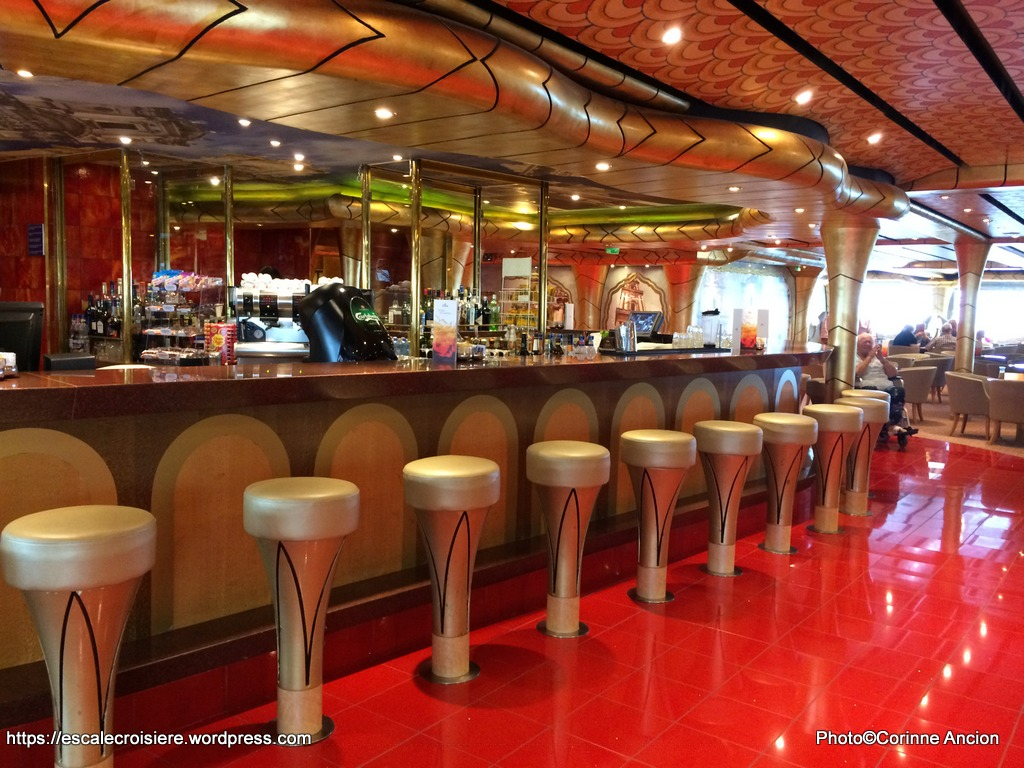 Costa Magica - Grand bar Salento