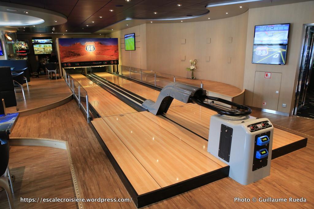 msc preziosa sports and bowling diner blog escale croisi re. Black Bedroom Furniture Sets. Home Design Ideas