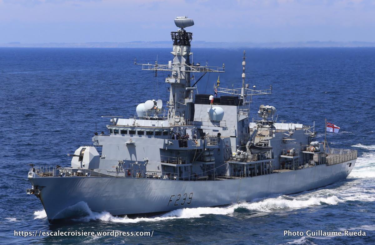 2017-06-24_The Bridge 2017_Escorte du Queen Mary 2 - HMS Richmond- Angleterre