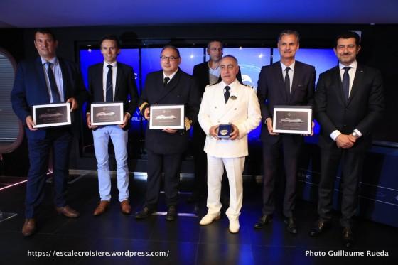 MSC Meraviglia - Escale inaugurale - Echange de plaques