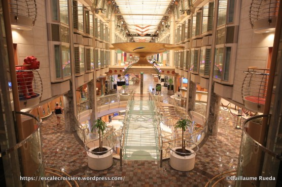 Independence of the Seas - Art - Royal Promenade