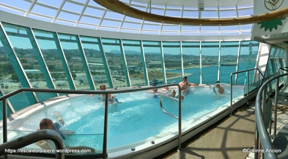 Independence of the Seas - Jacuzzi