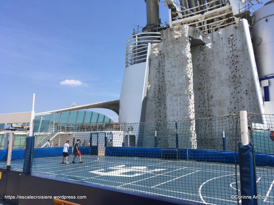 Independence of the Seas - Mur d'escalade et terrain de sport
