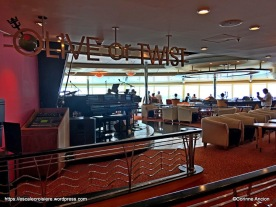 Independence of the Seas - Olive or Twist bar