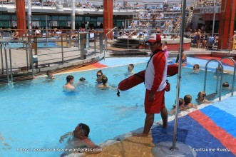 Independence of the Seas - Piscine centrale