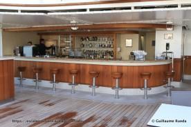 Silver Muse - Pool bar