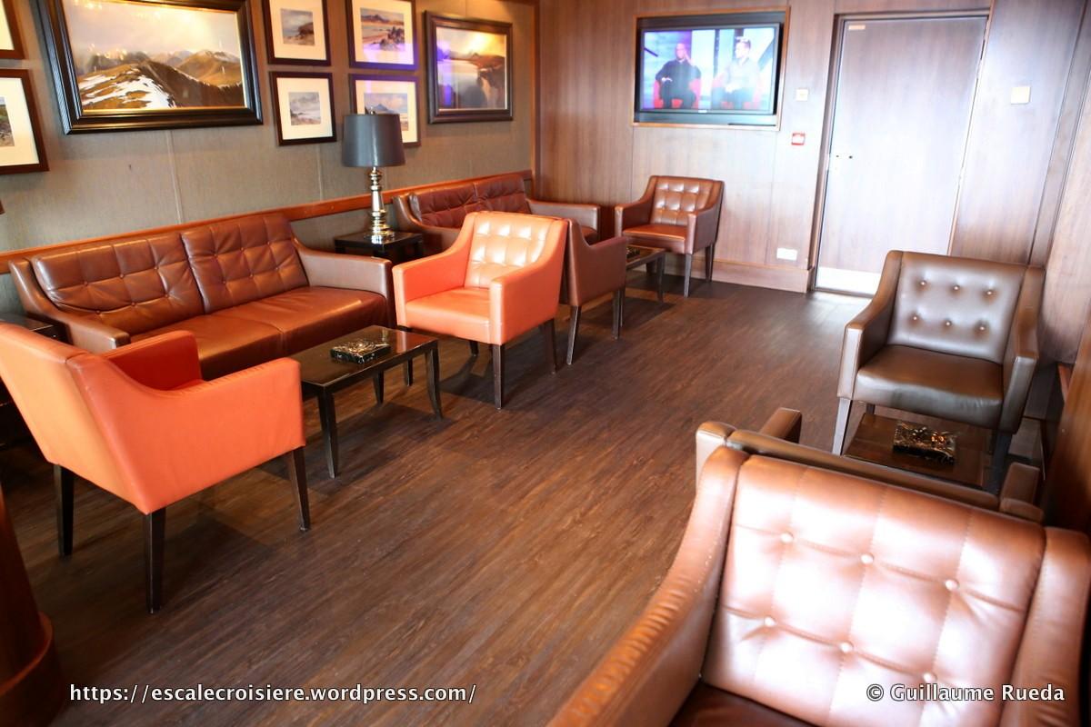 Norwegian Breakaway - Cigar Lounge