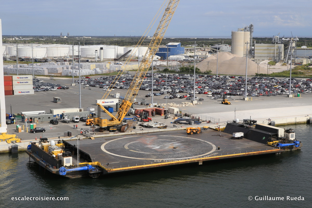 Cape Canaveral - Kennedy Space Center - SpaceX barge