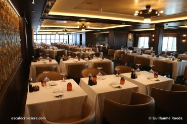 Norwegian Bliss - Cagneys steakhouse restaurant
