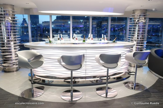 MSC Seaview - Champagne bar