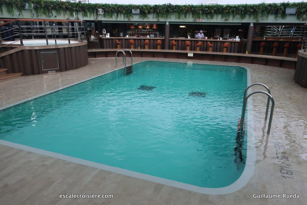 MSC Seaview - Piscine Jungle Pool (1)