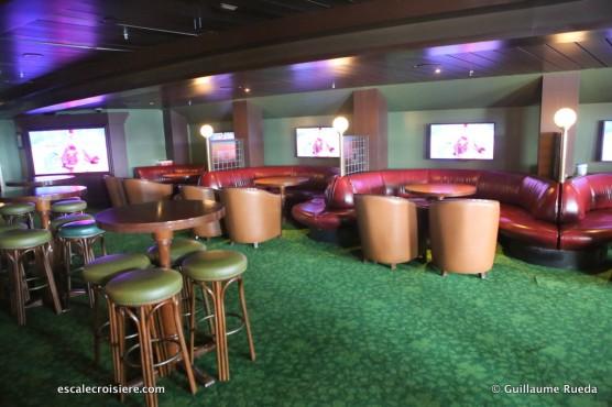 Disney Magic - O_Gills Pub