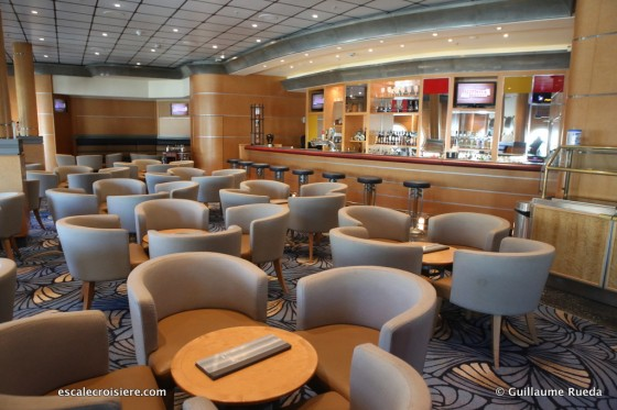 Disney Magic - Promenade Lounge