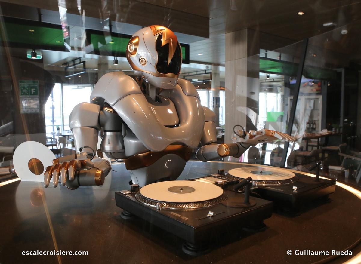 Mein Schiff 1 - Robot du Diamant bar
