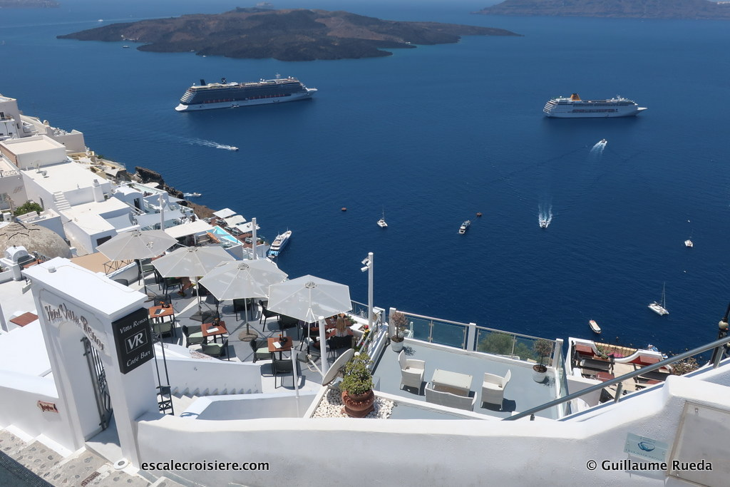 Santorin - Celestyal Olympia - Celebrity Reflection - Costa neoRiviera