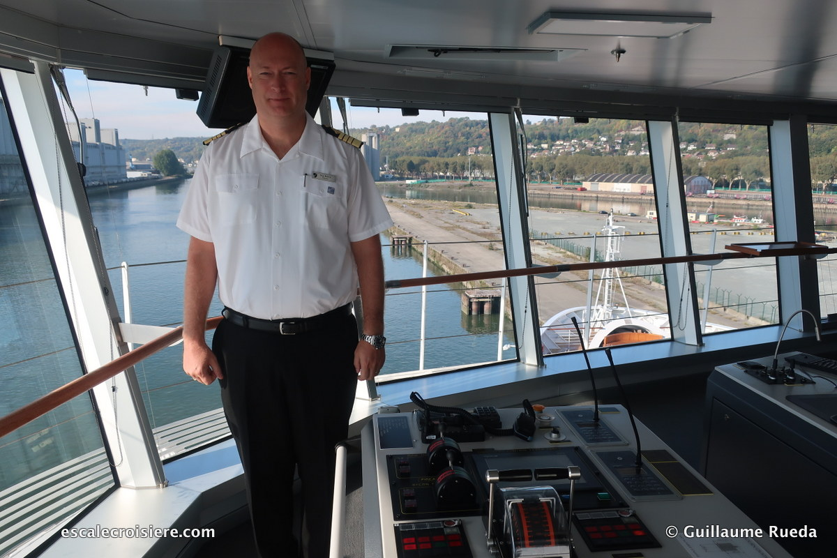Seabourn Ovation - Commandant Stig Betten
