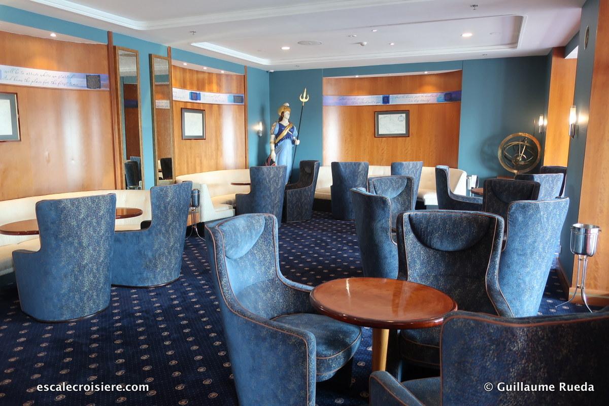 Queen Elizabeth 2 - Chart Room