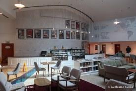 Queen Elizabeth 2 - Q Café (2)