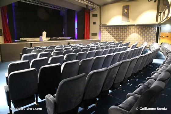 Queen Elizabeth 2 - Theatre Cinéma