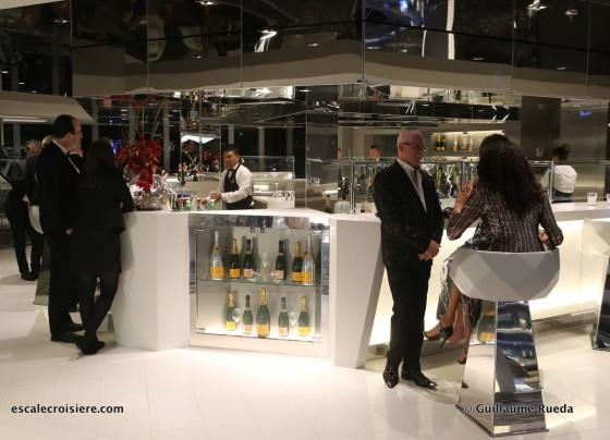 MSC Bellissima - Champagne bar