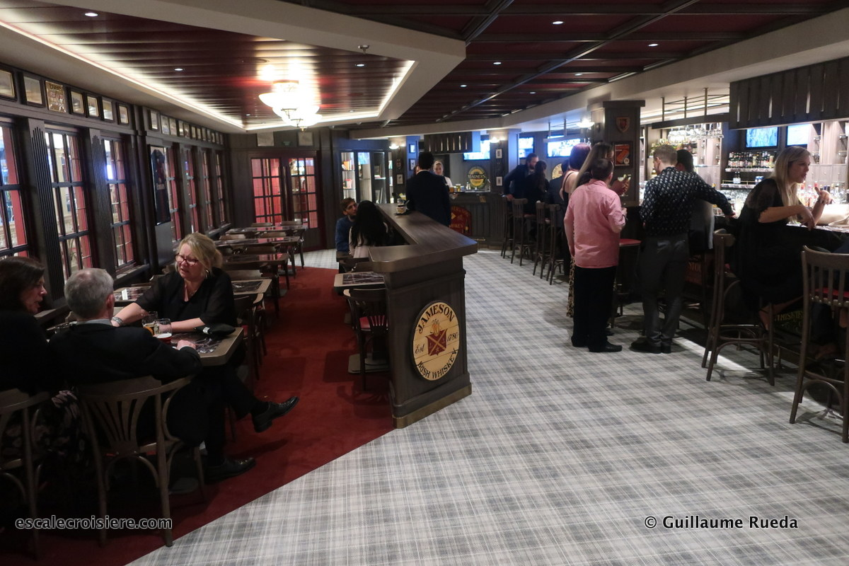 MSC Bellissima - Pub Master of the Seas