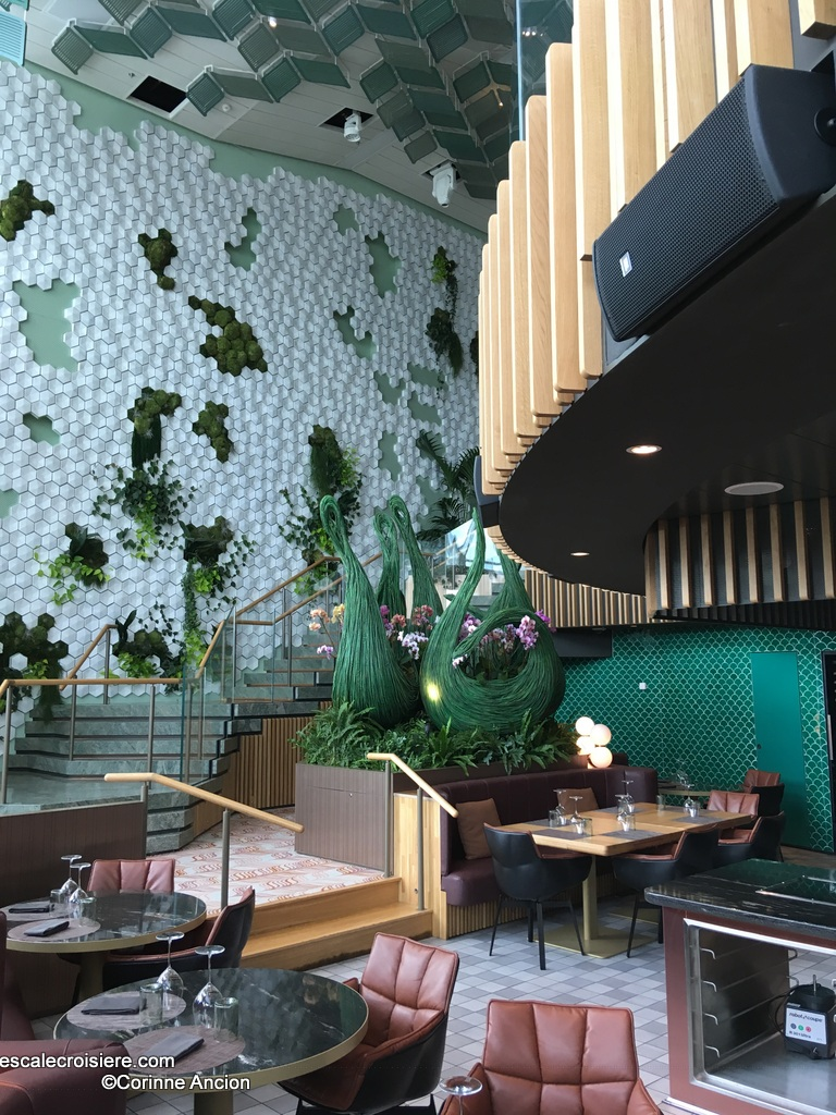Celebrity Edge - Eden Restaurant